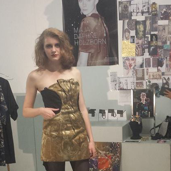 Malin_in_The_Marble_Dress-Kopie